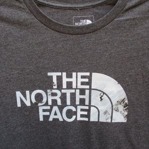 THE NORTH FACE ~ SHORT SLEEVE T-SHIRT ~ L ~ GRAY